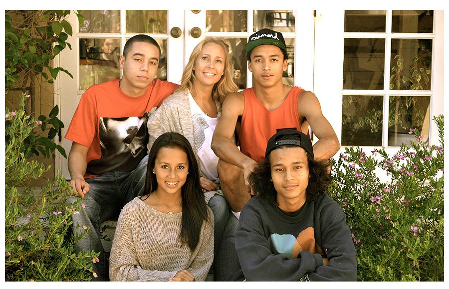 Mama Nyjaha Hustona a jeho súrodenci.